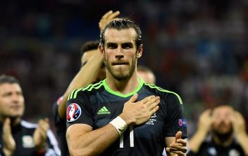 PIC: Garth Bale posts brilliant homecoming selfie with thousands of Welsh fans in Cardiff