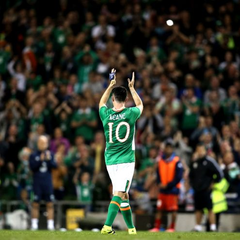 Three International Friendly, Aviva Stadium, Dublin 31/8/2016 Republic of Ireland vs Oman Ireland's Robbie Keane is given a standing ovation as he is subbed off  Mandatory Credit ©INPHO/Tommy Dickson