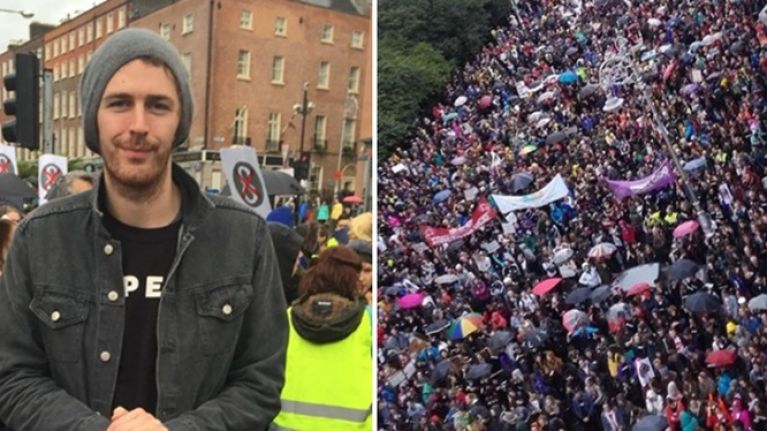 PIC: Hozier supports the Repeal the 8th campaign as he poses with fans during today's march