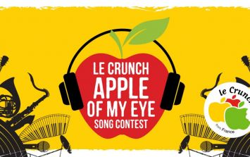 Calling all aspiring singers & musicians: Win €2,000 & a Whelan's gig with the Le Crunch Apple Of My Eye Song Contest