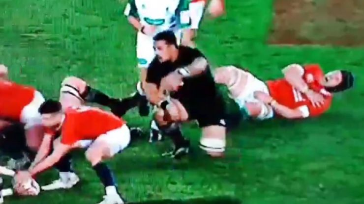 WATCH: Sean O'Brien somehow gets back on his feet after crunching hit by Jerome Kaino