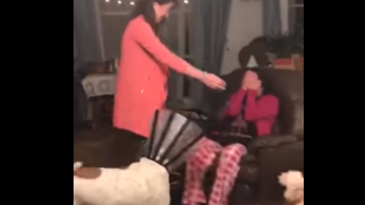 WATCH: This Wexford mammy's reaction to seeing her daughter after years apart is priceless