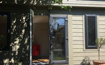 PICS: €1,200 a month in Dublin will get you this fancy portacabin in a back garden