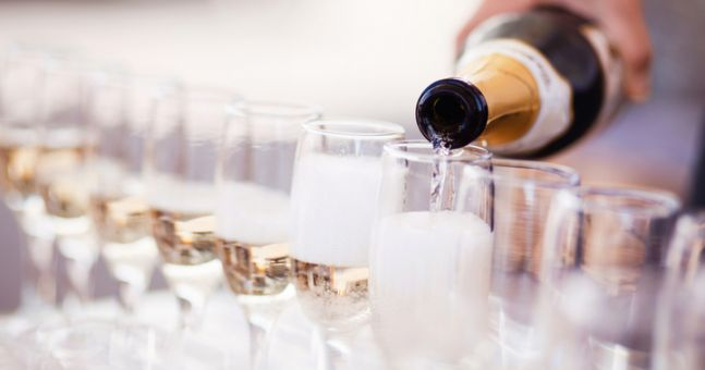 If you pour Prosecco this way, you're doing it wrongly
