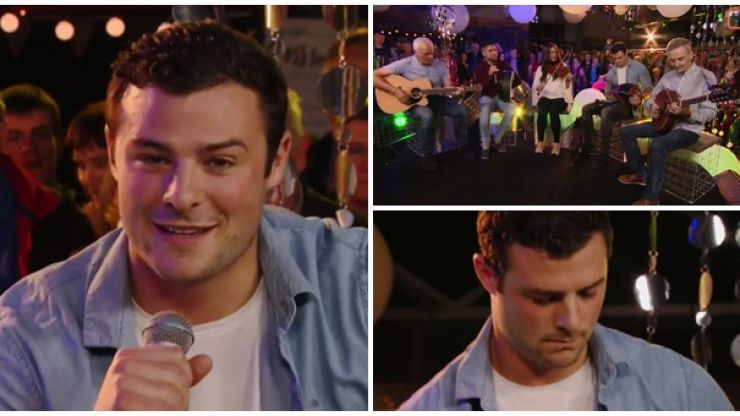 WATCH: Robbie Henshaw and family play a few tunes live on TG4 from the Fleadh Cheoil in Ennis