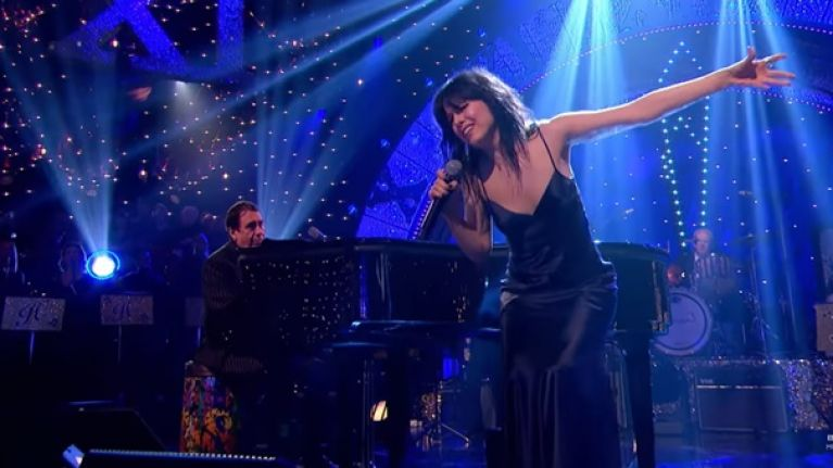 WATCH: Imelda May's performance on Jools' Annual Hootenanny was just stunning