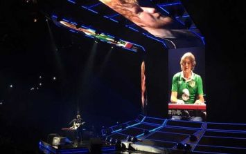 Ed Sheeran brought his Irish stage hand up on stage to play piano in New York
