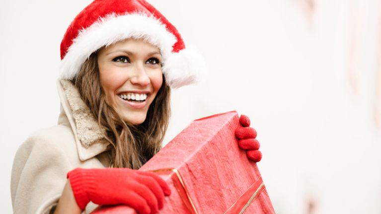 9 simple tips to help you buy the perfect christmas present for your wife or girlfriend