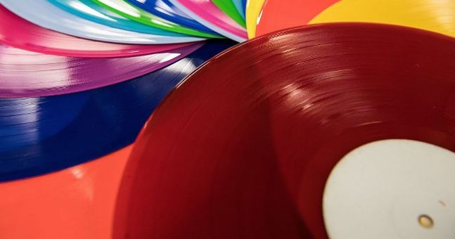 "Vinyl sales ""highest since the 1980s"" in Ireland according to Golden Discs"