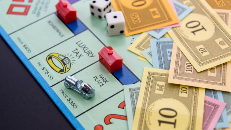 How to win at Monopoly from someone who knows what they're talking about