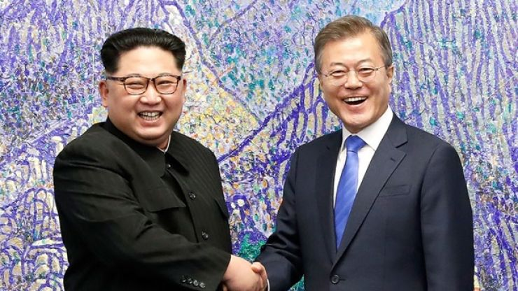 WATCH: History is made as Kim Jong-un crosses into South Korea to meet President Moon Jae-in