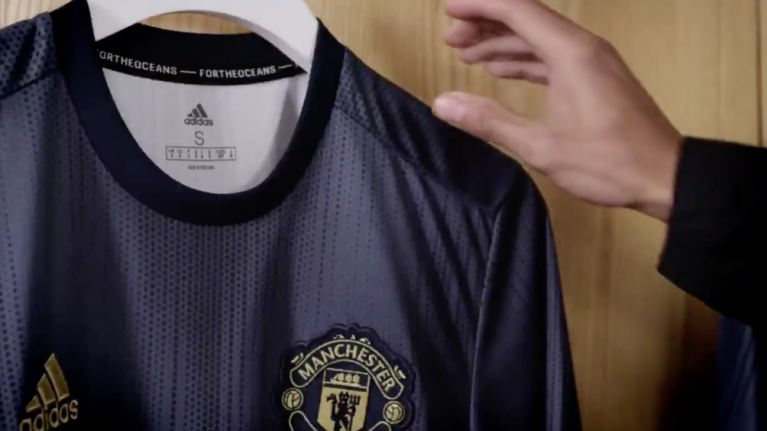 buy popular ed4b0 bb84d OFFICIAL: Manchester United have unveiled their new third ...
