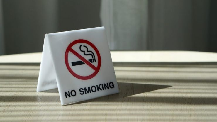 Catalonia plans to introduce outdoor smoking ban