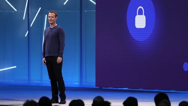 Facebook warns 14 million users about privacy bug that made their content public