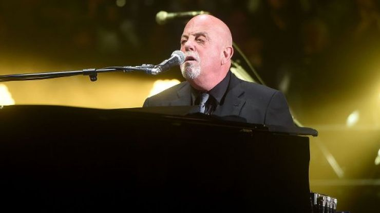 WATCH: Billy Joel breaks into a rendition of 'On Raglan Road' at the Aviva Stadium
