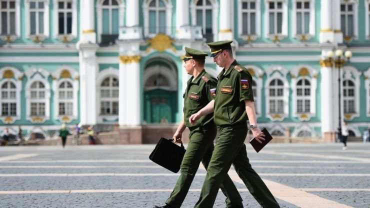 Russian police arrest 25 gay rights activists in St Petersburg