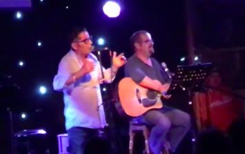 Aslan singer Christy Dignam absolutely destroys a heckler who asked him about his false teeth