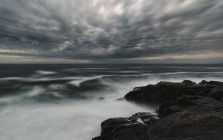 "Met Éireann issue fresh ""violent storm force"" warnings for Irish coasts"