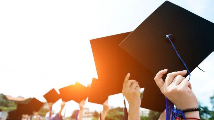 40% of bachelor degree graduates from Irish universities in 2016 earn less than €25k per year