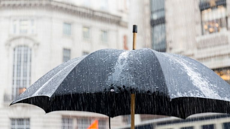Weather warnings are being issued to eleven counties around Ireland for Sunday night