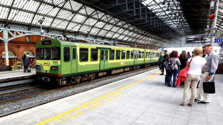 Iarnród Éireann announce delays due to broken down Santa train