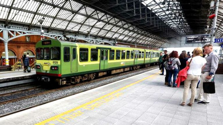 Iarnród Éireann announce delays due to broken down Santa train