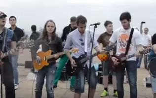 WATCH: Dozens of musicians gather in St Petersburg for a blistering Cranberries cover