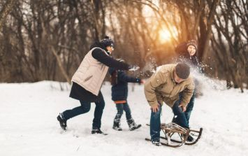 More than 2,000 people register their interest in this massive snowball fight in Dublin on Wednesday