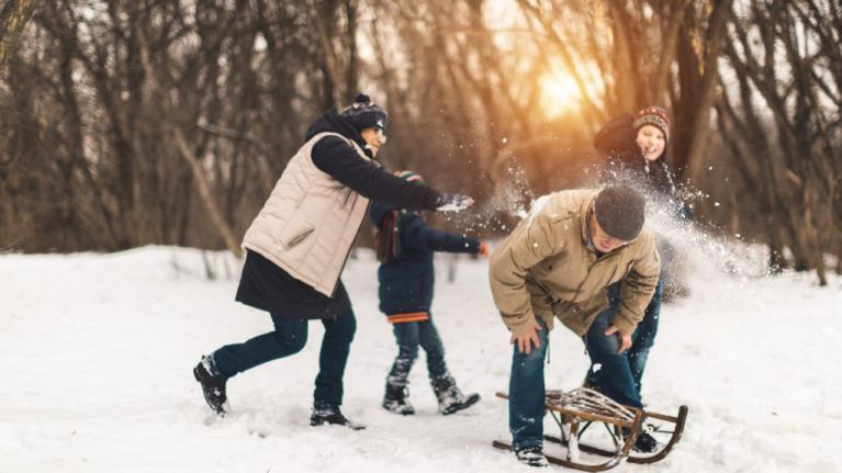 The 10 rules that one must abide by in a snowball fight