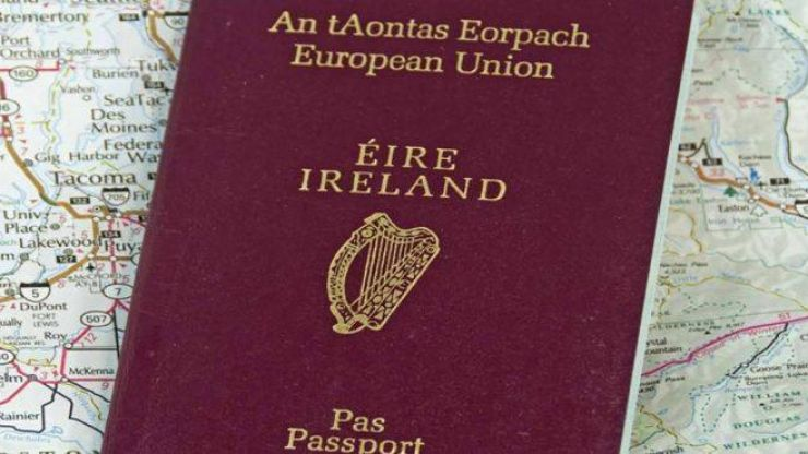 Alleged backlog of over 50,000 passport applications in Department of Foreign Affairs