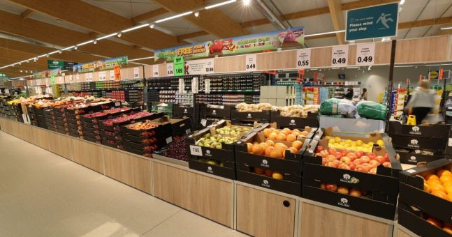 Lidl announce that they will remove plastic from fruit and ...