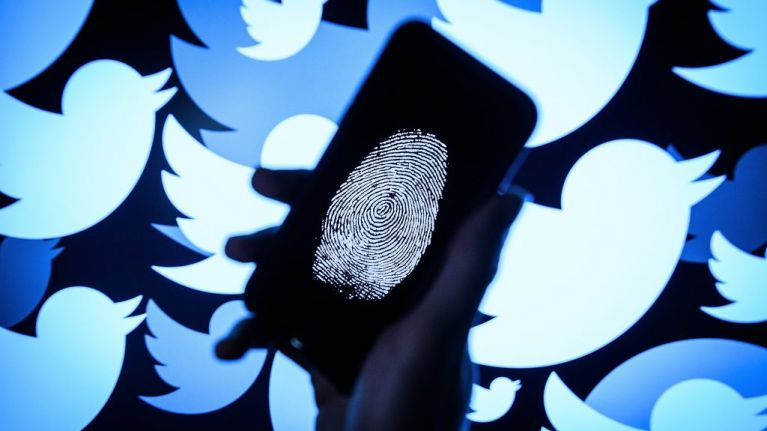PIC: Twitter terrorises users with mysterious alphanumeric code