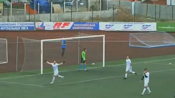 WATCH: This penalty effort from the Russian League needs to be seen to be believed
