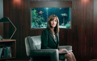 Julia Roberts goes full Hitchcock in new series Homecoming, the ultimate paranoia-inducing thriller