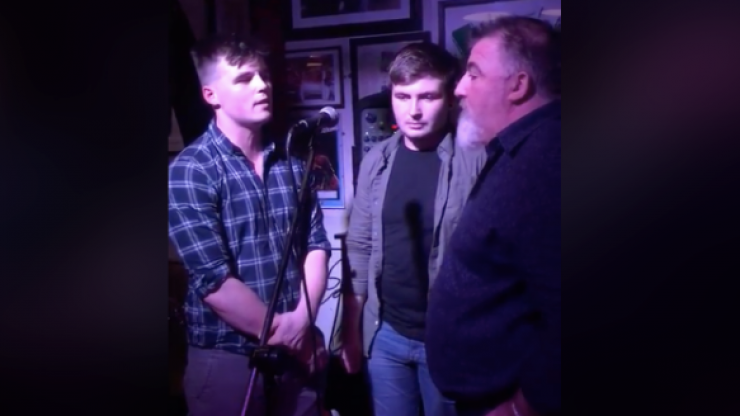 Father and sons perform spine-tingling rendition of 'The Parting Glass' in Irish pub