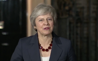 UK Cabinet agrees on Theresa May's draft Brexit deal