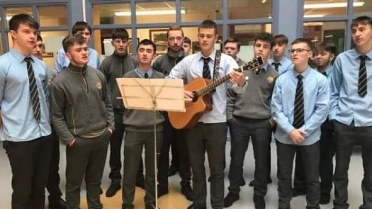WATCH: 6th Year students in Naas perform stunning choral song to mark 100 years since the end of World War I