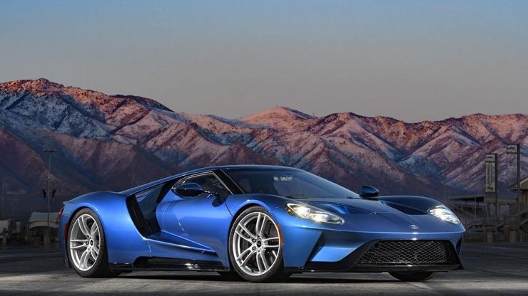 JOE goes behind the wheel of the Ford GT, the crème de la crème of supercars