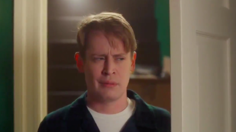 Keep the change, ya filthy animal because Macaulay Culkin has recreated Home Alone