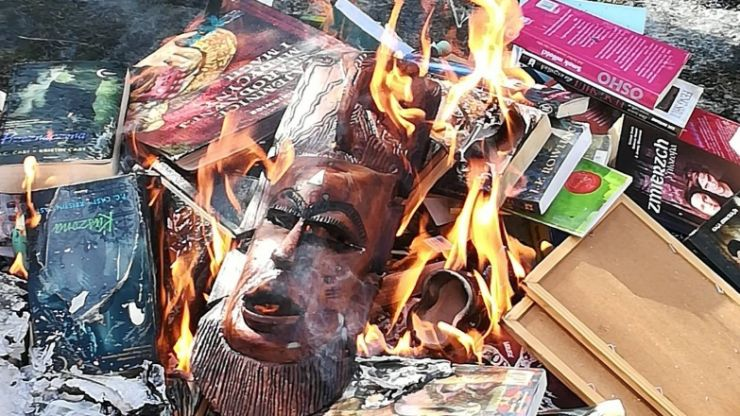 Priests in Poland are burning Harry Potter books