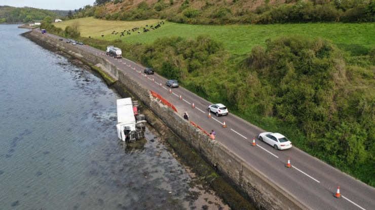 Gardaí in Waterford investigating truck crashing into the sea
