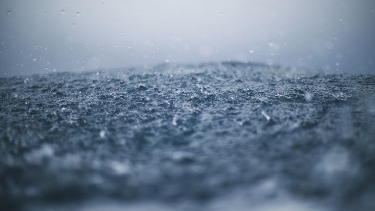 A Status Yellow weather warning has been issued for five counties in Ireland