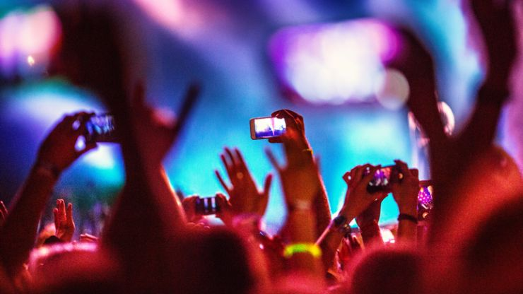 Recording concerts on Instagram suggests that FOMO has evolved into FOSETWMO