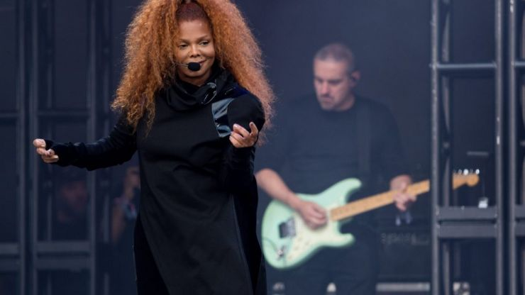 Janet Jackson is being absolutely slated for her Glastonbury performance