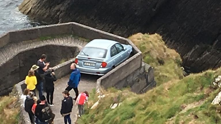 """PIC: Learner driver gets stuck on """"sheep highway"""" in Kerry"""