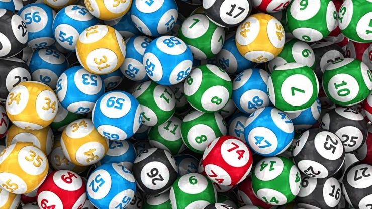Tonight the Italian lottery jackpot is nearly €186 Million. Here's how to enter