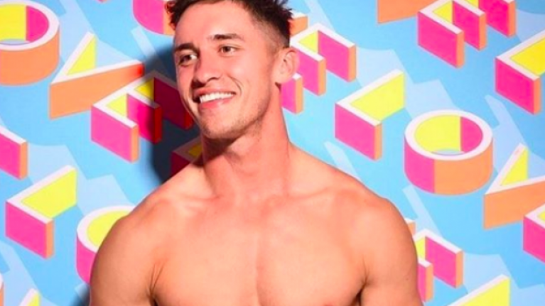 WATCH: Love Island winner Greg O'Shea receives massive welcome at Shannon Airport
