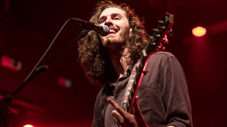 """Hozier's 'Take Me to Church' is the only Irish track to make Spotify's """"Billions Club"""" playlist"""