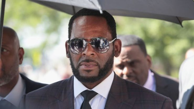 R. Kelly to stand trial next year