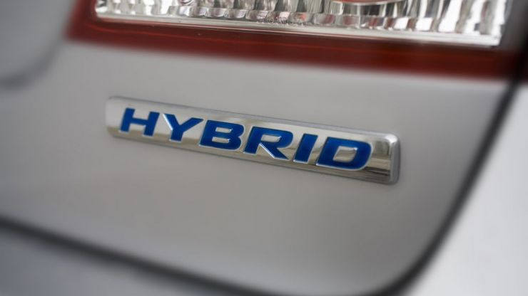 The 5 main benefits of driving a hybrid car